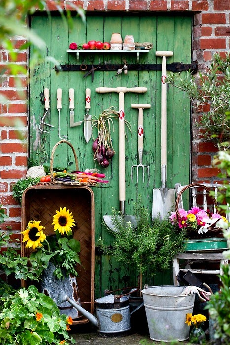 Make Your Shed Blend In With The Rest Of The Backyard. Hit Up Antique Shops  And Yard Sales For Vintage Garden Finds.