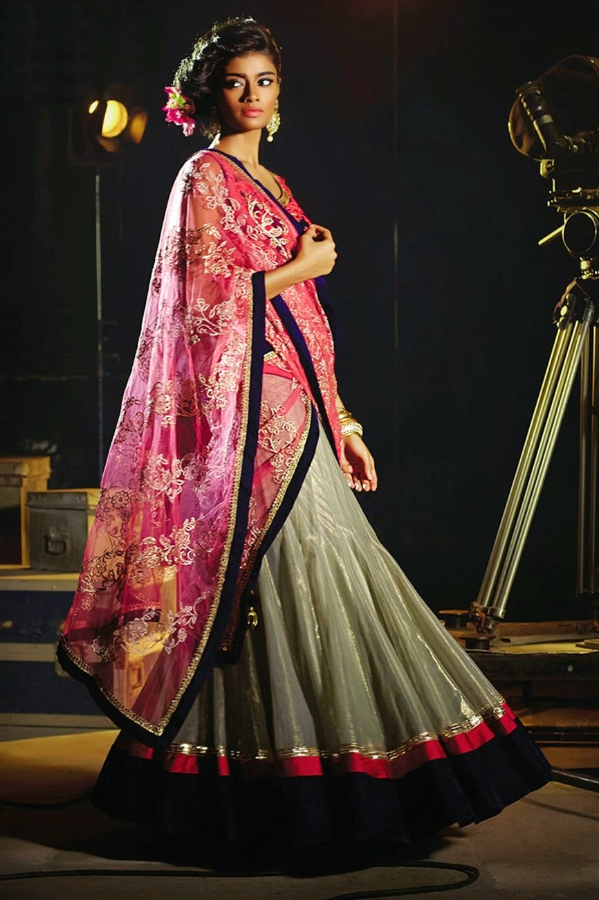 Bollywood Actress Saree Collections: Buy Online Enticing ...