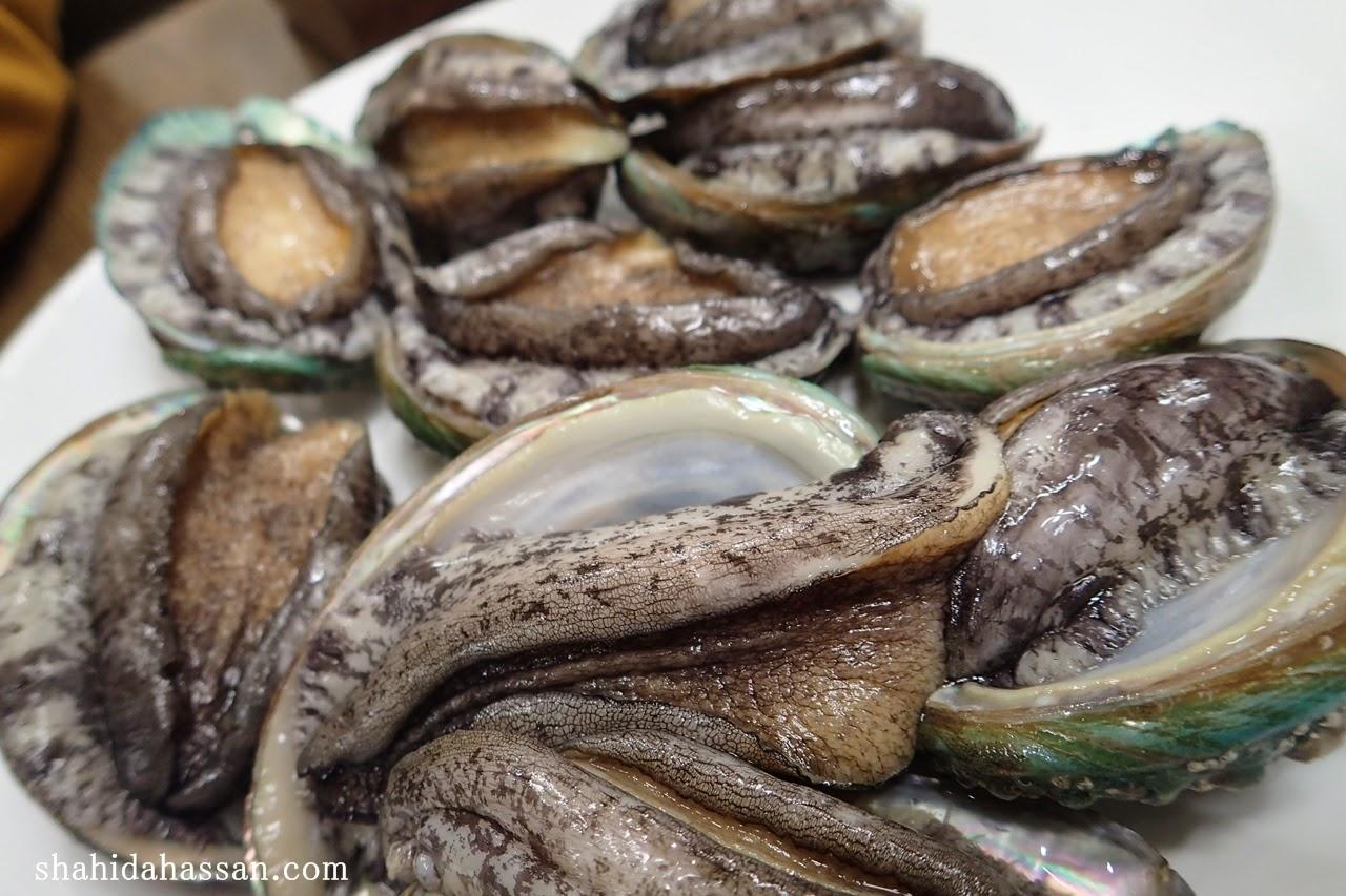 BAJET TRIP BUSAN JAGALCHI MARKET FAMOUS SEAFOOD MARKET