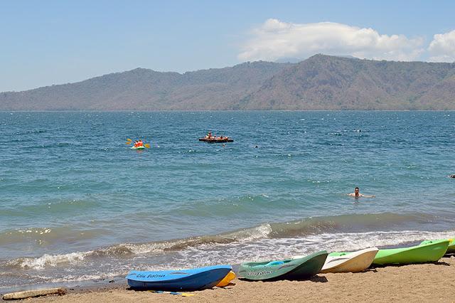 Kayaks à la lagune d'Apoyo