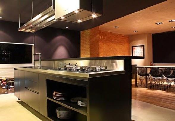 ten en cuenta que en el caso de la decoracin con muebles lacados como los de la cocina pueden brillar demasiado si se les ilumina con focos muy potentes