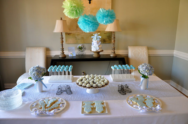 sip and see dessert table