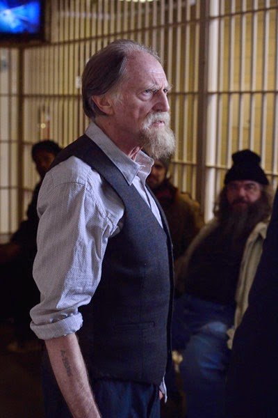 David Bradley as Jewish Holocaust survivor and pawn shop owner Abraham Setrakian in jail in The Strain Season 1 Episode 2 The Box