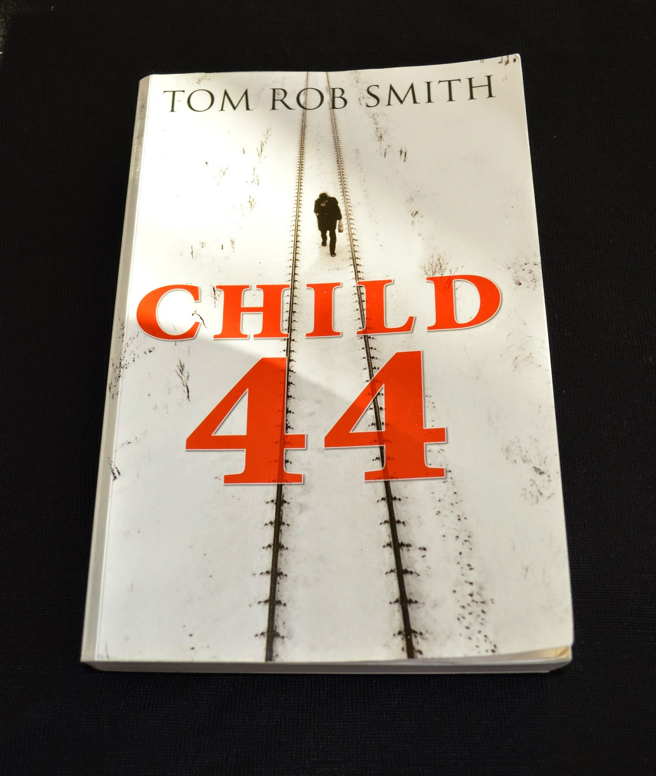 book review, Child 44, Tom Rob Smith, large print, Russia, crime-fiction, 1933, 1953, secret police, MGB, Leo, Rasia, review