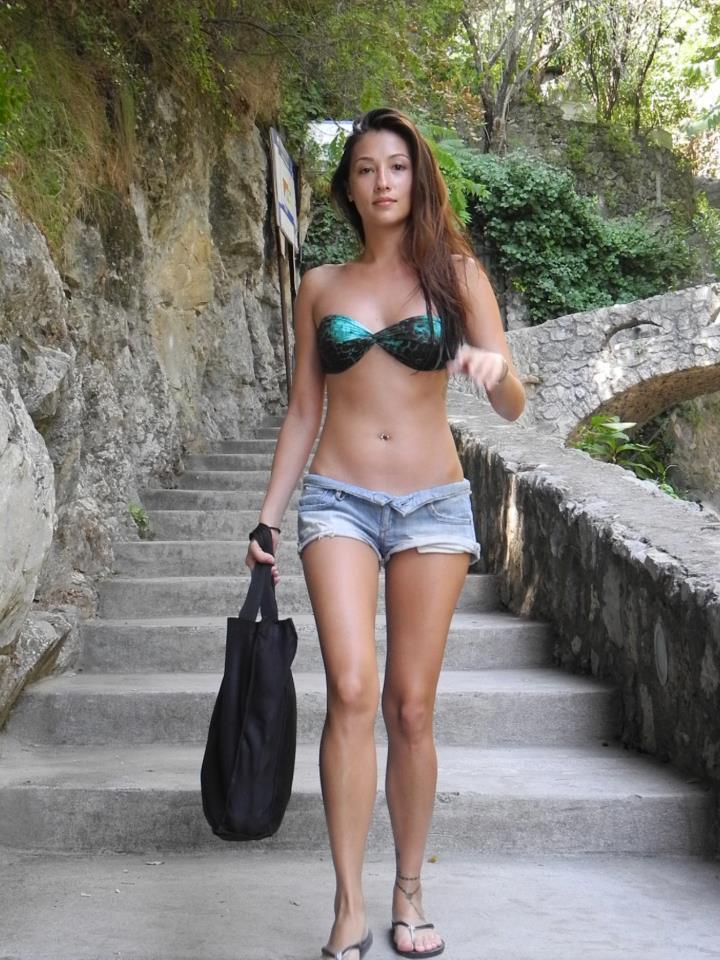 solenn heussaff sexy bikini pics 01
