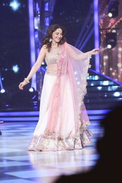 Madhuri Dixit Dance Performance