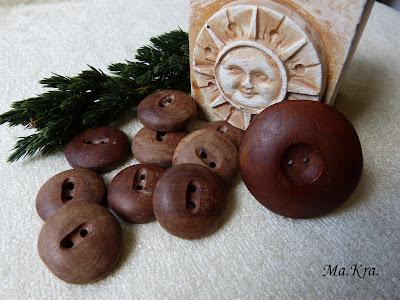 drewniane guziki