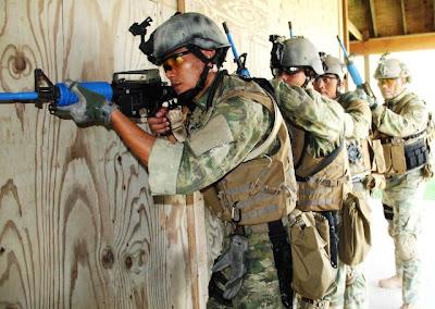 Dansatkopaska Koarmatim Pimpin Pertempuran Di CQC Guam AS