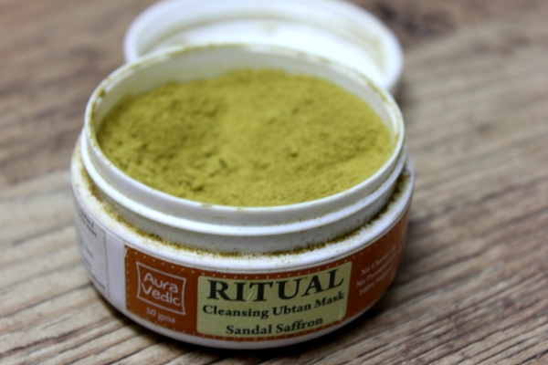 Auravedic Ritual Cleansing Ubtan Mask Sandal Saffron Product Review