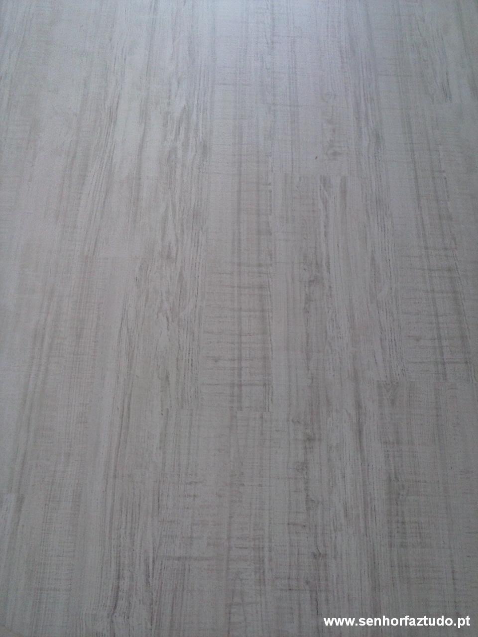 Pavimento flutuante AC4 8mm Artens carvalho cotton