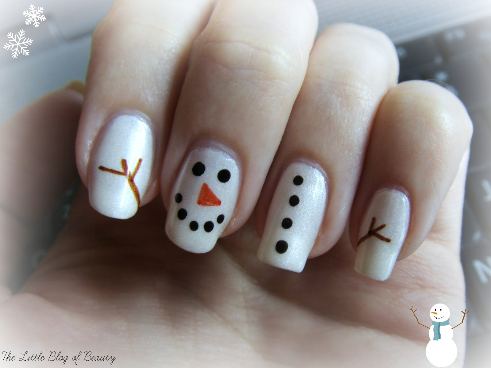 Christmas nail art frosty the snowman the little blog of beauty christmas nail art frosty the snowman prinsesfo Images