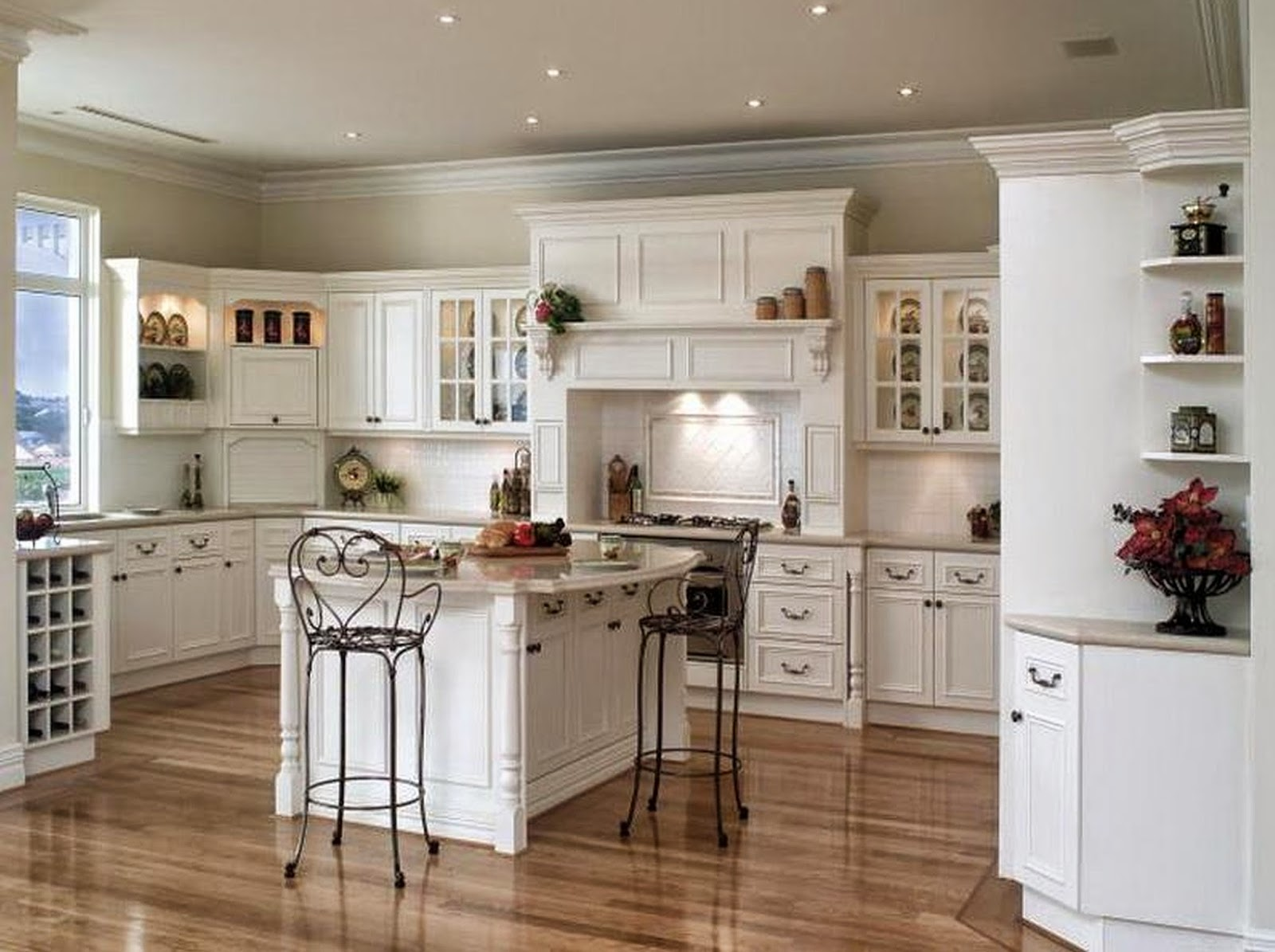 White French Provincial Kitchen Decorating Ideas