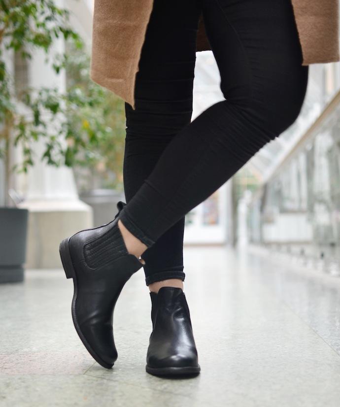 Frye Phillip Chelsea boots Shoeme.ca blogger