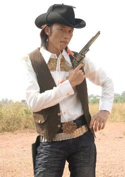 Cao bồi Võ Hoài Linh, cao bồi miền tây thứ thiệt, xem ảnh hài mới nhất 2013