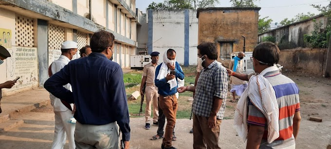 नवादा : डीएम ने रजौली अनुमंडलीय अस्पताल और  बाजार का किया निरीक्षण
