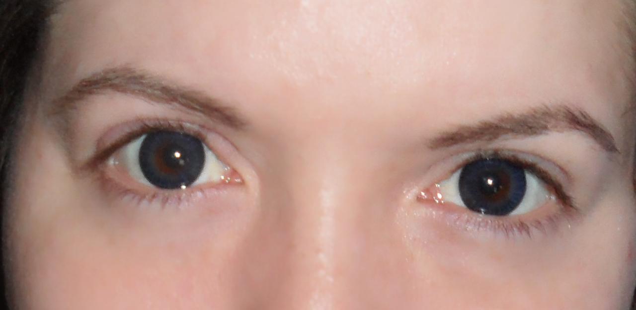 Natural Light Green Contact Lenses