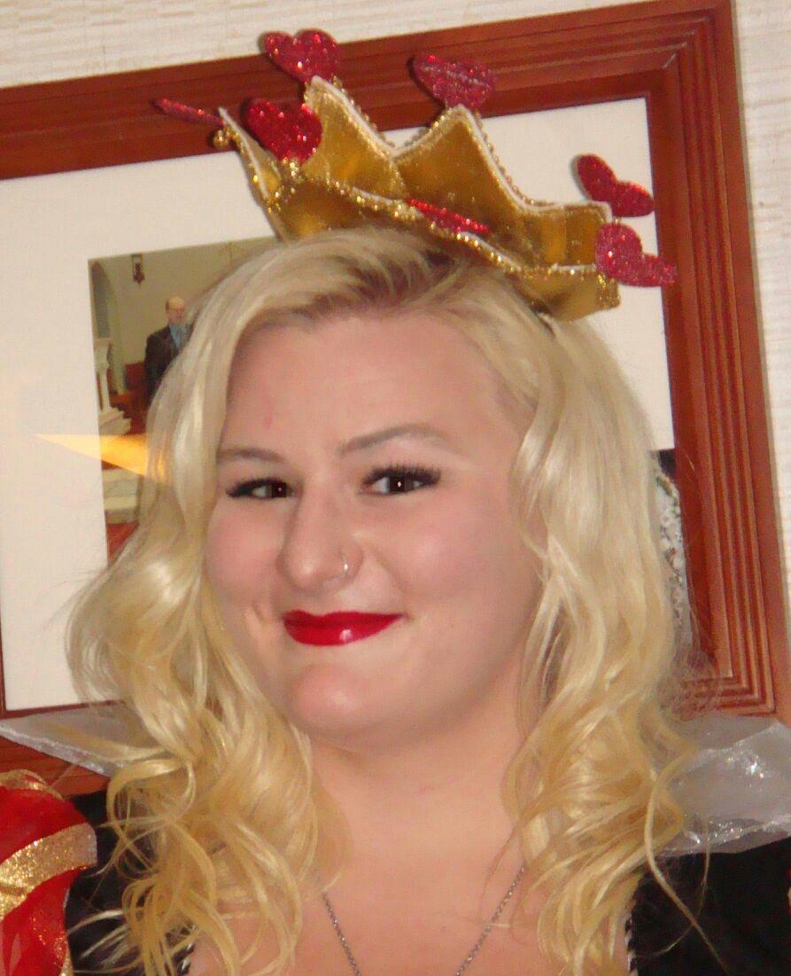 Queen of Hearts look