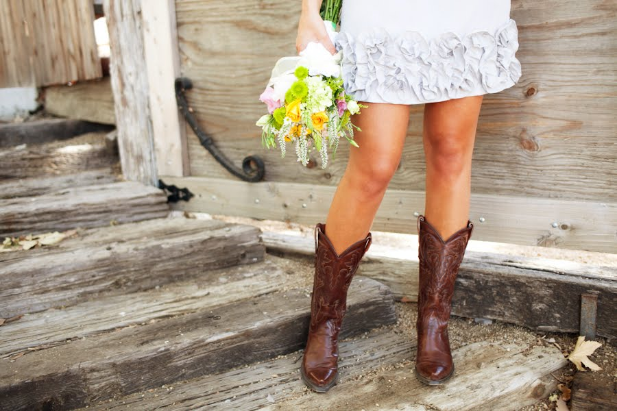 Short wedding dresses with cowboy boots for Short wedding dress with cowboy boots