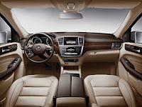 2011 Mercedes-Benz M-Class interior (W 166)