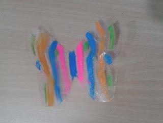Manualidades infantiles: Pintadas mariposa con esmaltes de uñas