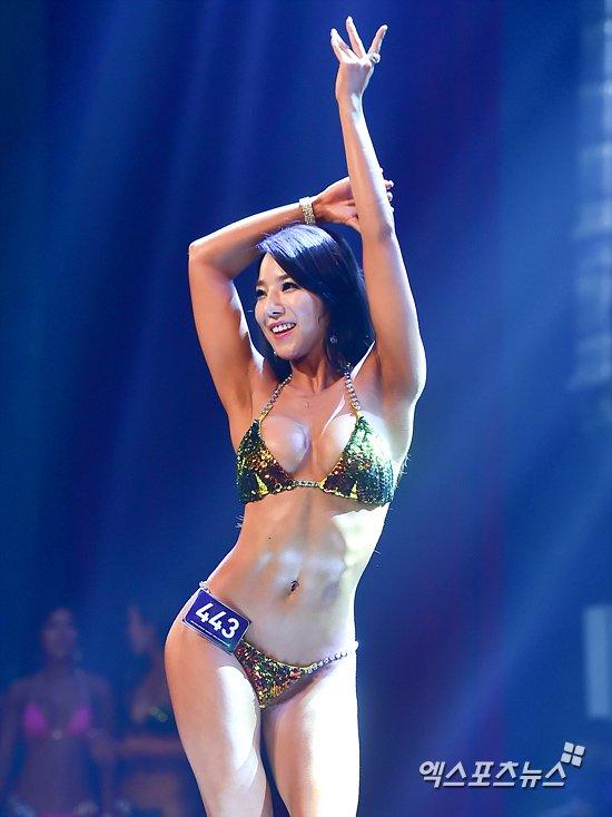 Gái Hàn khoe body cực sexy