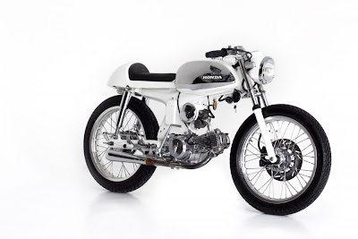 Honda  S90 Cafe Racer By  Deus Ex Machina Bali.