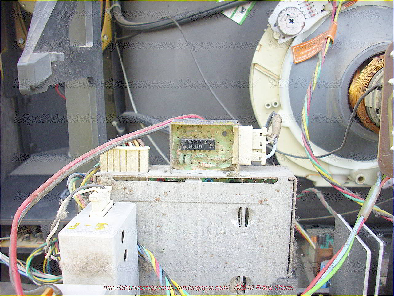 Obsolete Technology Tellye Seleco Zanussi 14sc4541 Basic Breaker Panel Wiring Likewise Military Time Clock On Can Light However The Forced Search Will Produce A Correct Tuning Situation Anyway In These Cases Either Is To Begin With