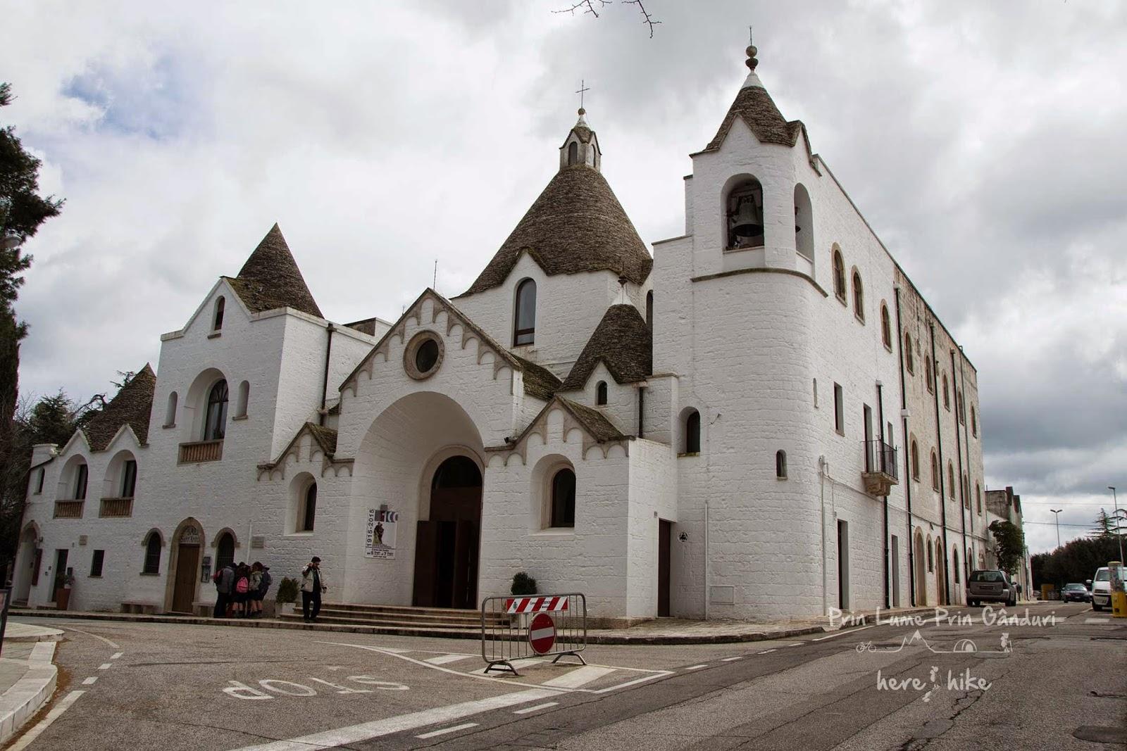 San-Antonio-Church-Trulli-Alberobello