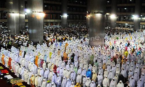 Tata Cara Niat dan Doa Shalat Sunat Tarawih - Doa Kamilin