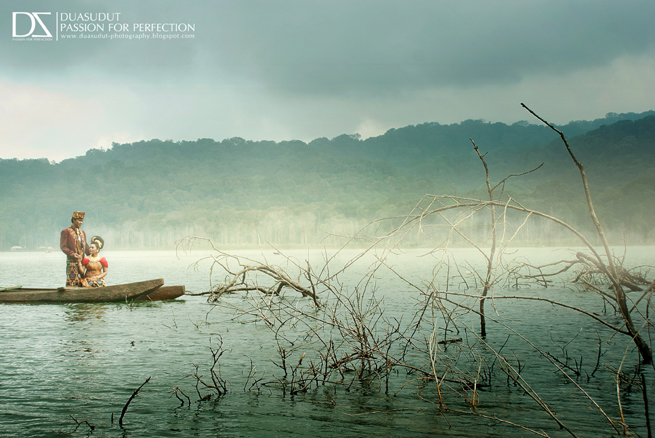 FOTO HUNTING DAN PREWEDDING