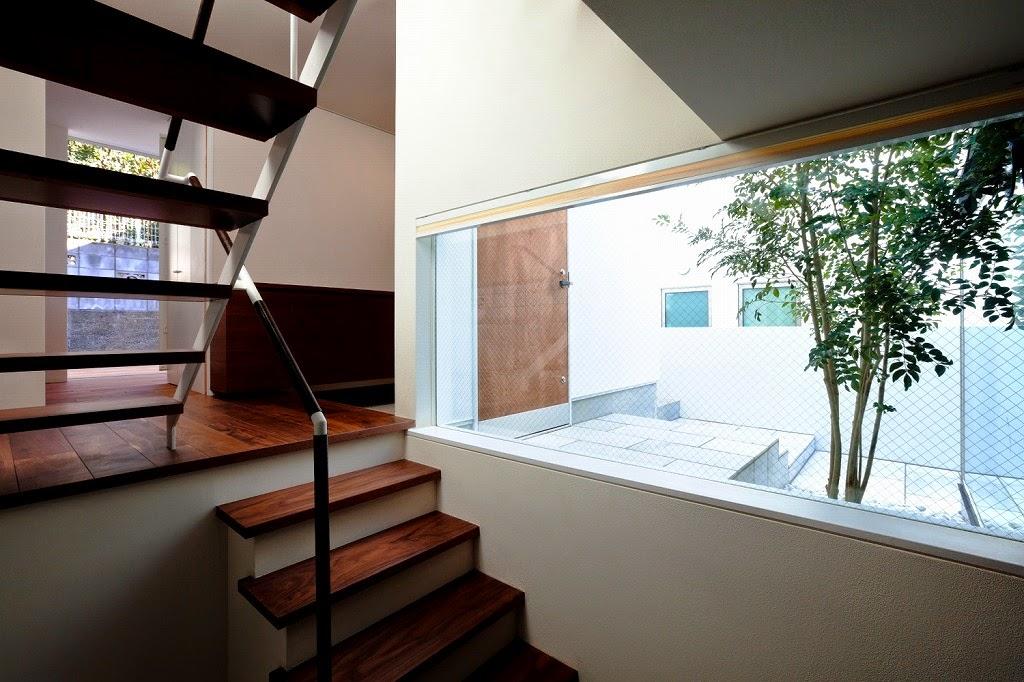 Rumah Minimalis 3 Lantai 13