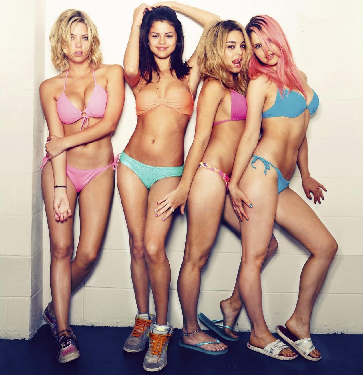 gomez spring breakers fakes Selena