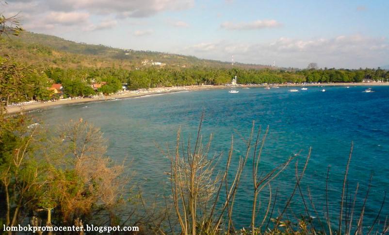 Salah satu sudut pantai senggigi di lihat dari atas sheraton hotel