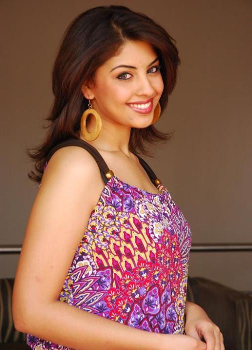 richa gangopadhayay glamour  images