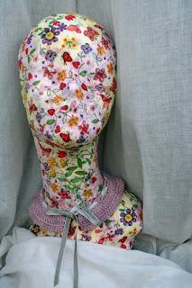 cuello en seda, lino y terciopelo