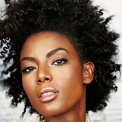 If you have beautiful dark skin, it's only a matter of choosing the right colors and applying them properly to show off your stunning skin.