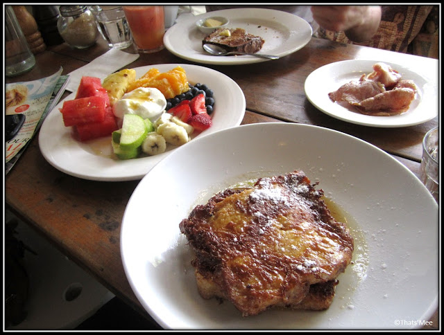 café coffe shop Kawa Sydney Crown Street plats fruits pain perdu sirop d'erable bacon, visiter Sydney que faire a Sydney