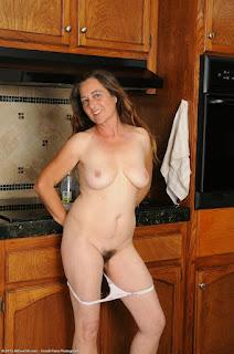 Amateur Porn - rs-Hausfrau11-04-700661.jpg