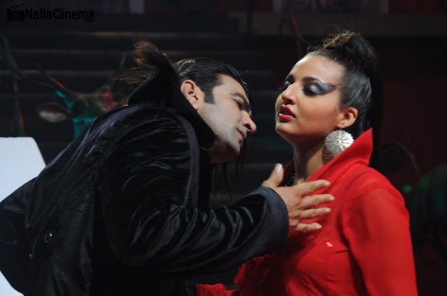 Dracula - Malayalam Movie Stills