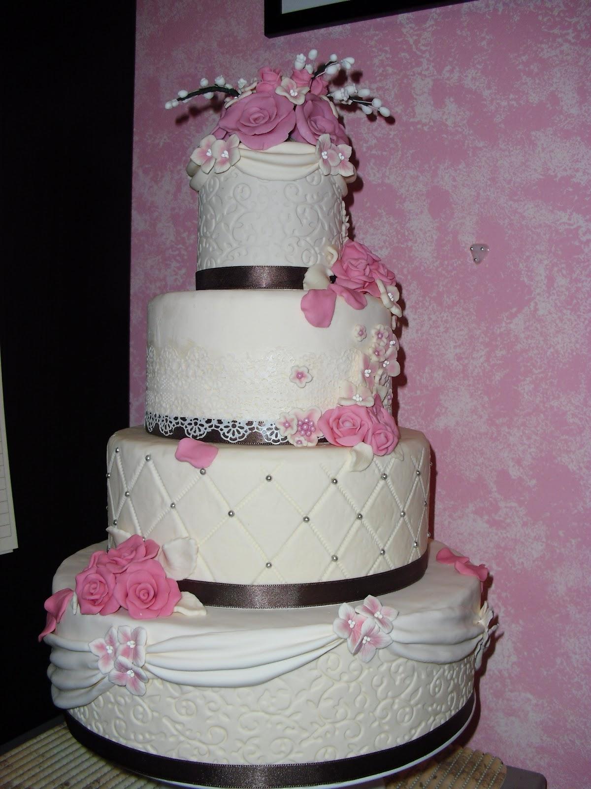 Wedding cake di 4 piani le torte di antonella for Piani per costruire una casa a buon mercato