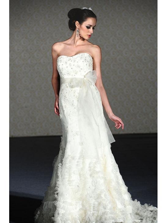 WEDDING DRESS BUSINESS: Dressees From Wedding Dress Business