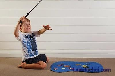 Làm bộ đồ chơi câu cá cho bé