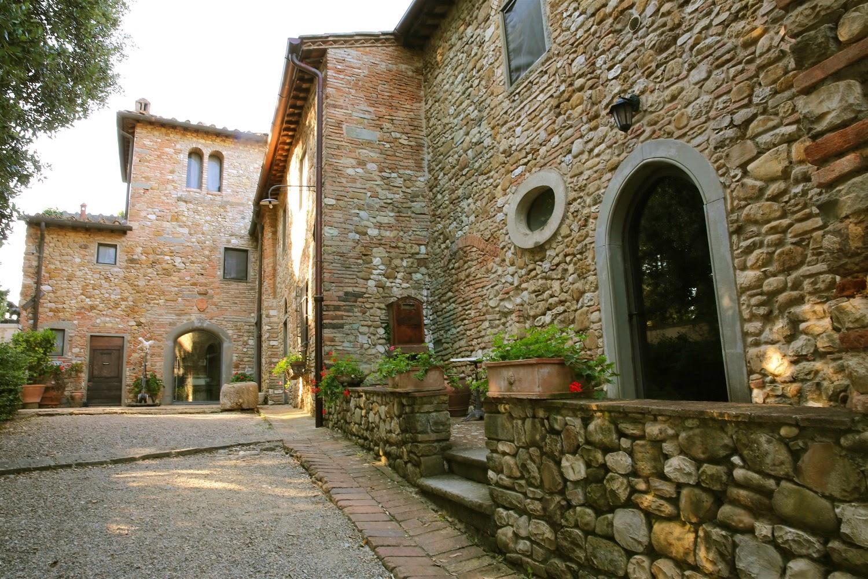 """Explore """"Fattoria La Loggia"""" Tuscany,Italy"""