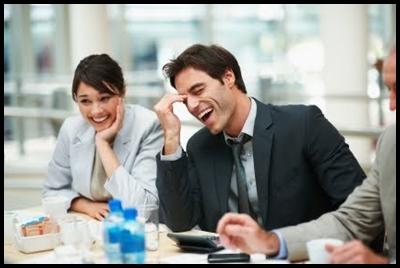 Rir no trabalho