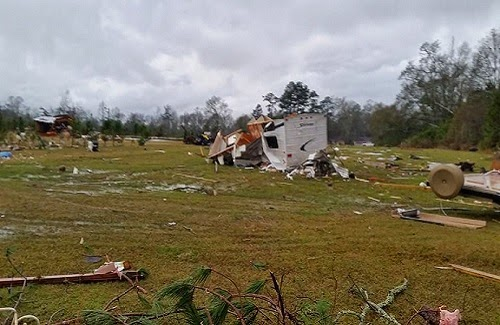 Mississippi_tornado_2014_damage_photo