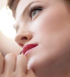 Speciale moda donna primavera estate trucco acqua e sapone for Catalogo acqua e sapone 2015