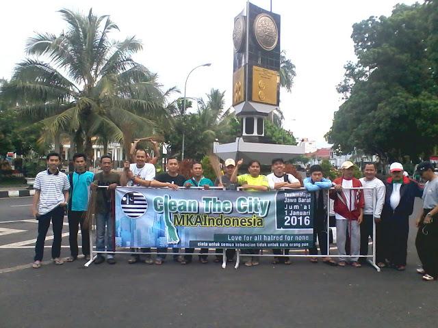 clean the city MKAI Ahmadiyah Tasikmalaya