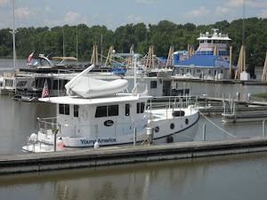 Demopolis Yacht Basin. The tug in the right rear is fueling.  Many many gallons!