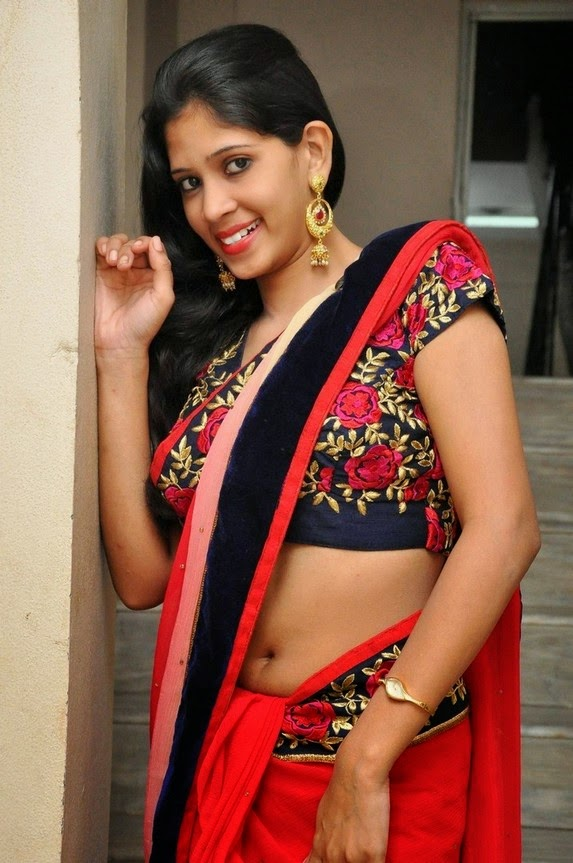 actress om sizzling photos in saree-HQ-Photo-4