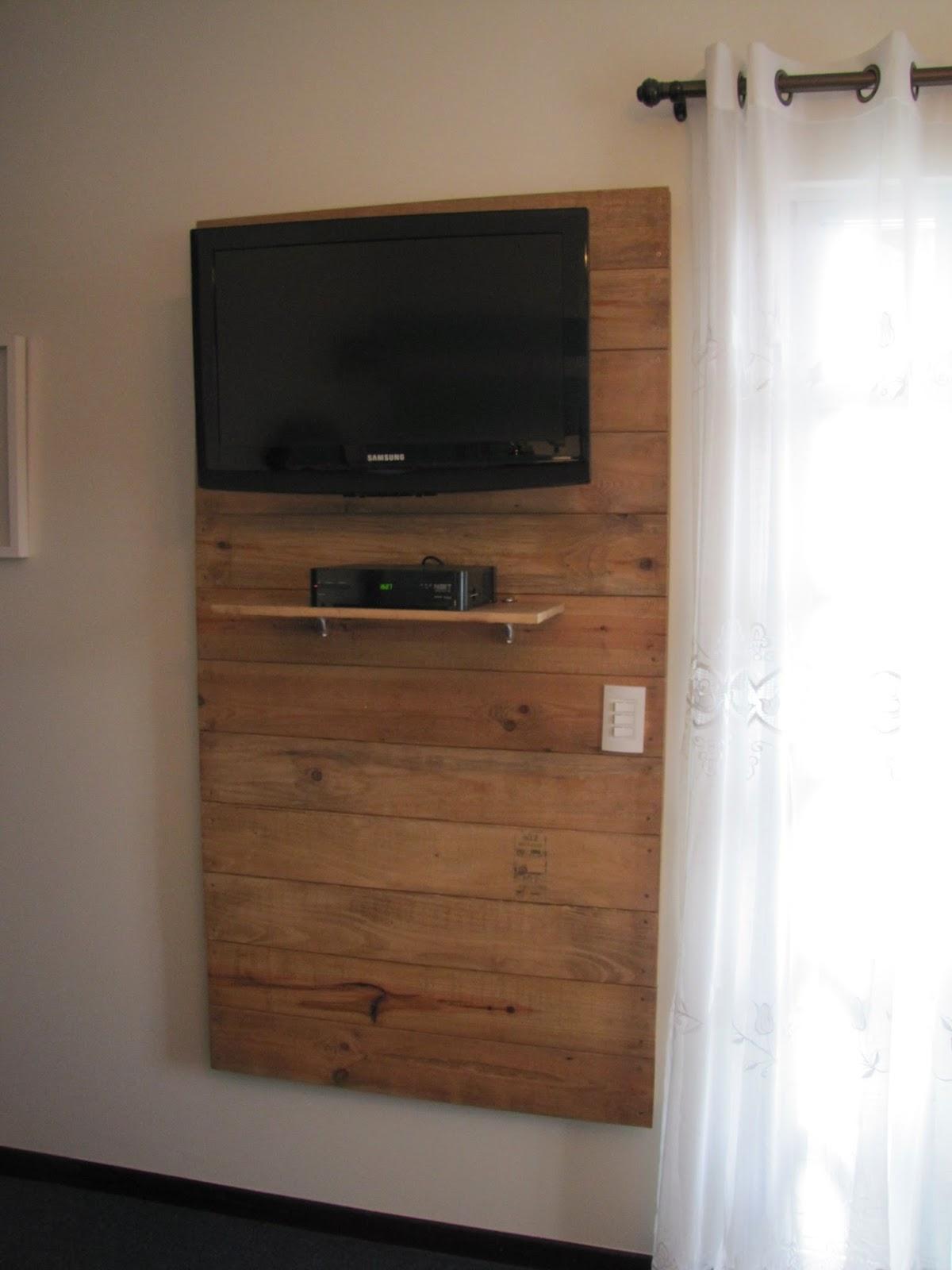 contraste da madeira reciclada com a madeira escura de meus móveis #69462F 1200x1600